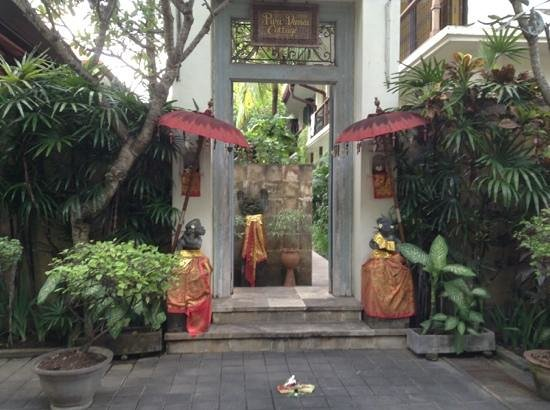 Puri Damai : Guest entrance