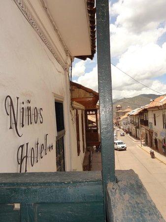 Ninos Hotel: Front entrance of Hotel Ninos