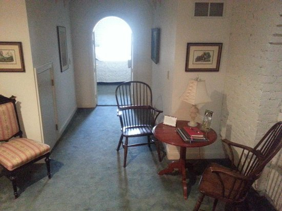 Inn at Woodhaven : One of several sitting areas.