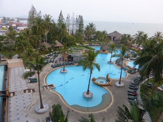 Hilton Hua Hin Resort & Spa: the pool from my room on ;level 1