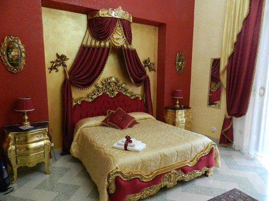 La Dolce Vita - Luxury House: habitacion luis 14