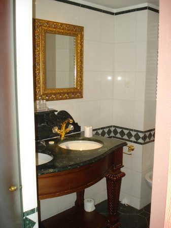 Villa Royale: baño