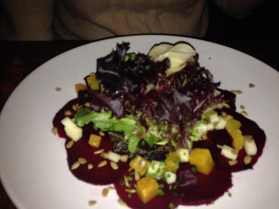 Rim Rock Cafe & Oyster Bar : Beet salad