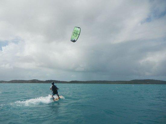 40Knots Kitesurfing & Windsurfing School Antigua : Und jetzt klappt es schon richtig gut.