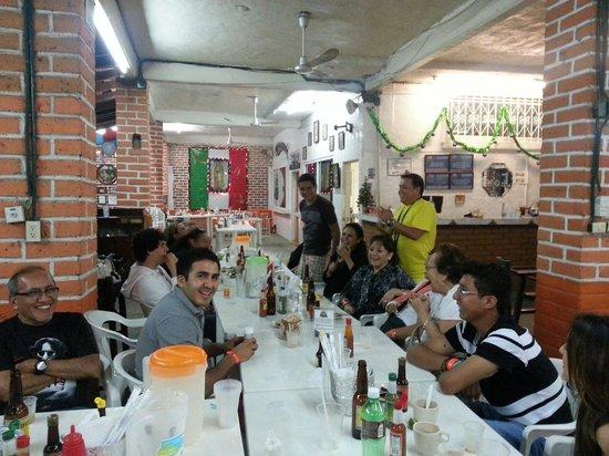 Restaurant Mauricio´s: Buen ambiente se vive en Restauran Mauricios