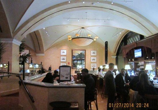 BRIO Tuscan Grille: The Bar at Brio