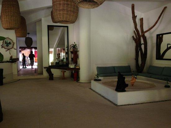The Beach Tulum: Beautiful lobby