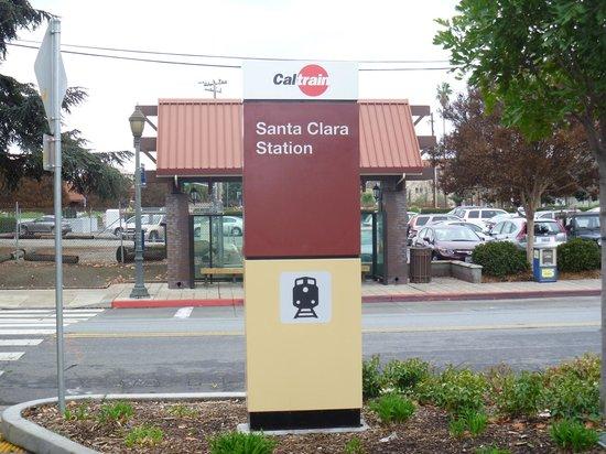 Edward Peterman Museum of Railroad History: Cal Train Santa Clara駅