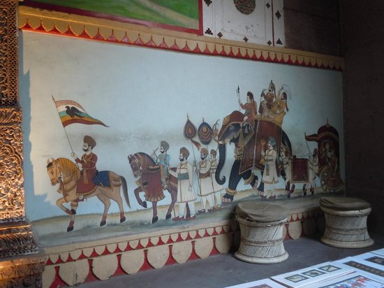 Pal Haveli : Painting in courtyard
