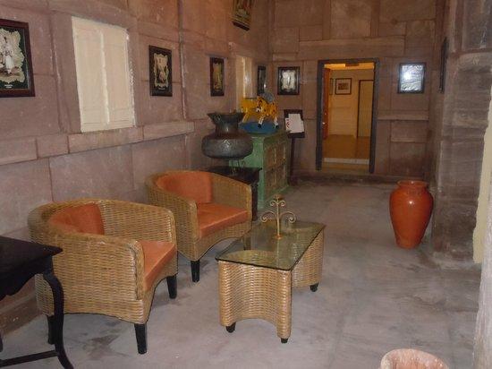 Pal Haveli : Waiting area