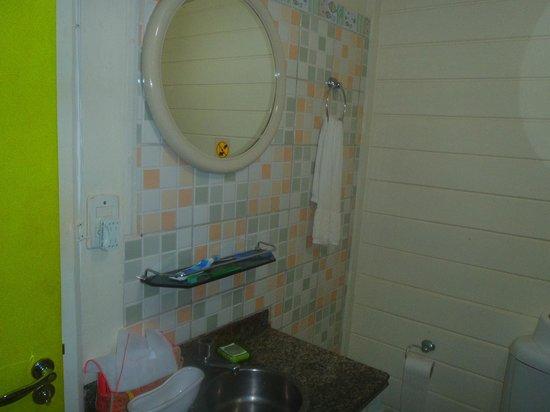 Pousada Carmo: Banheiro