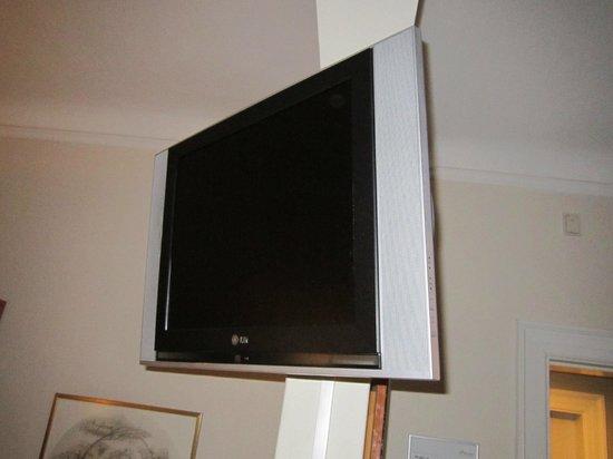 Hotel Nebo : TV LCD moderna no quarto