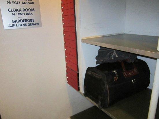 Hotel Nebo : A guarda de bagagem. O aviso que não gostei de ler...