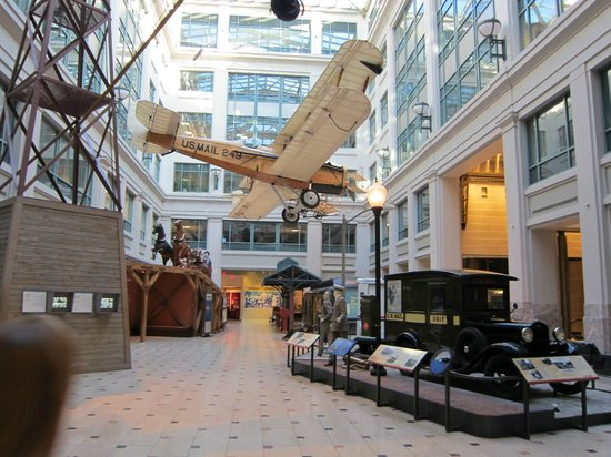 National Postal Museum : inside lower portion of museum