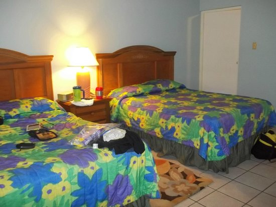 Grand Pineapple Beach Negril: Our room