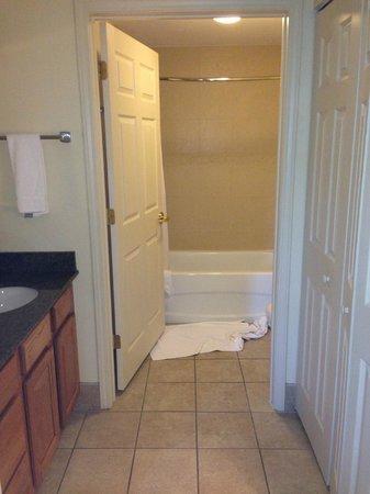 Staybridge Suites Tallahassee I-10 East: Bathroom