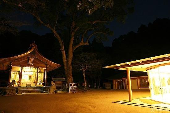 Kamado Shrine: 竈門神社 境内