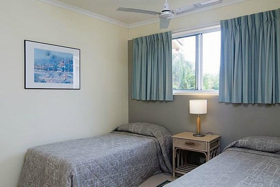 Noosa Gardens Riverside Resort Sunshine Coast : 2 x single beds