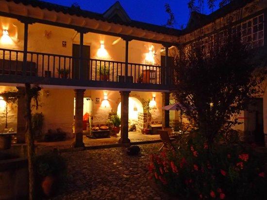 Inkarri Hostal: courtyard
