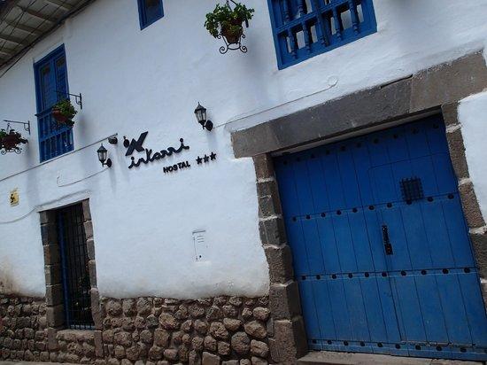 Inkarri Hostal: front door
