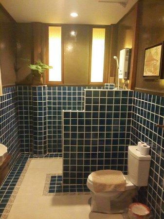 Baan Tawan Pai Boutique Guesthouse : In bathroom