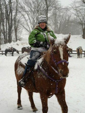 Pinegrove Family Dude Ranch: Horseback riding