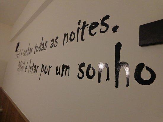 Ibis Styles Belo Horizonte Minascentro: versos de Drummond