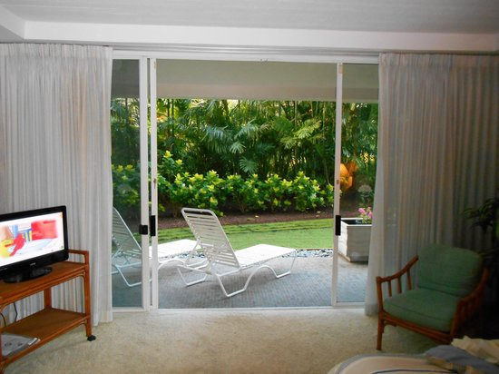 Aston at The Whaler on Kaanapali Beach: Looking out from our master bedroom