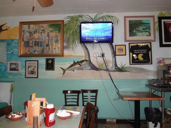 Mangrove Mike's Cafe : decor!
