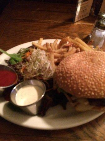 Chez Lucien: Bourgeois Burger