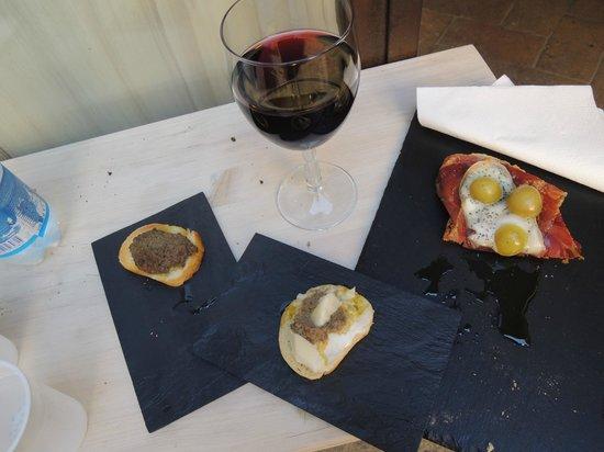 La bruschetteria pane e pomodoro: 正享受一個簡單而難忘的下午