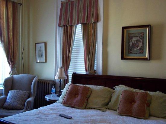 The Kenmore Inn: Room