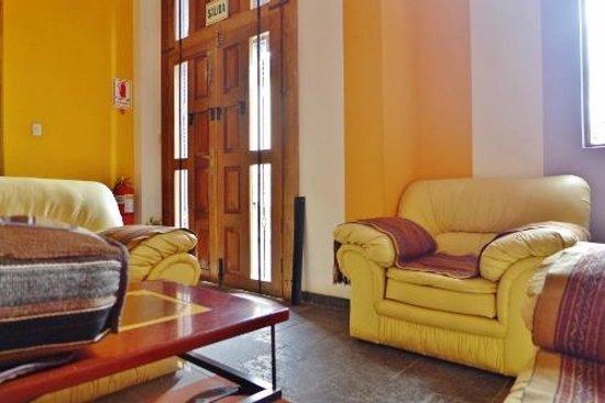 Intiqa Hotel: Lobby