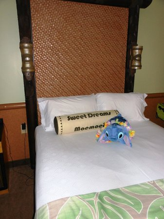 Disney's Polynesian Village Resort: My Stitch pillow pet fit right in (you get a lei upon check in!)
