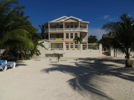 The western side of Iguana Reef Inn