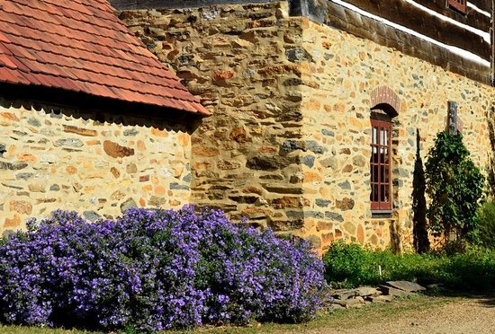 Old Salem Museums & Gardens: Building
