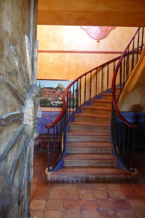 Casa Puesta Del Sol: main staircase to sunset terrace