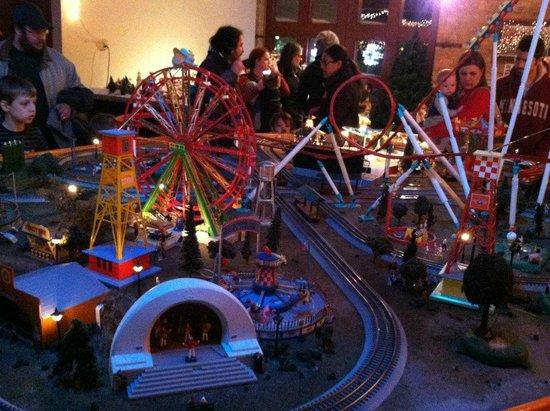 Twin City Model Railroad Museum: Carnival display #1