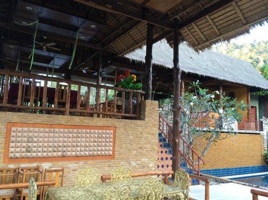 Kanita Resort & Camping: Терраса