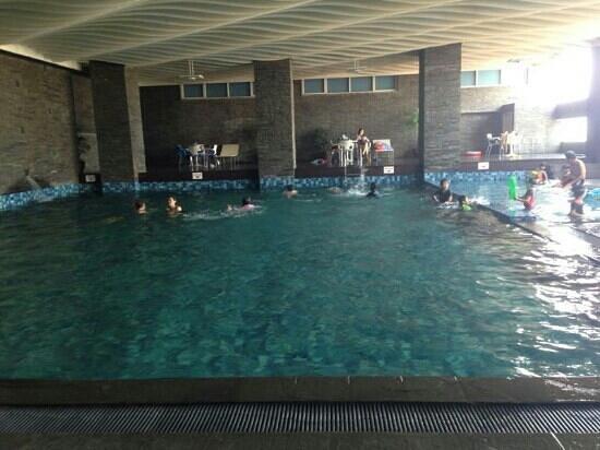 Best Western Mangga Dua Hotel and Residence : kolam renang
