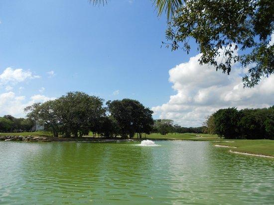 Eurostars Hacienda Vista Real: La vista del campo de golf es realmente linda.