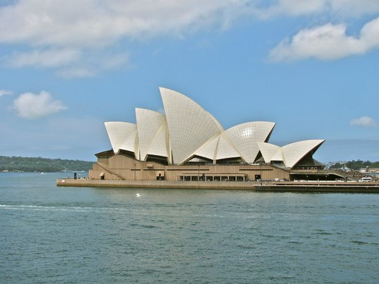 Sydney Opera House : Water view