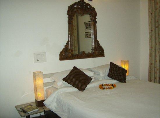 Shanti Home room