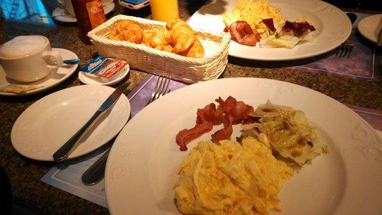 Brother Hotel Taipei: 兄弟大飯店美式早餐