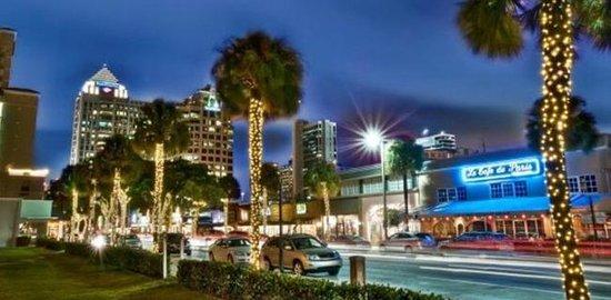 Photo of Monument / Landmark Las Olas Boulevard at Fort Lauderdale, FL 33301, United States