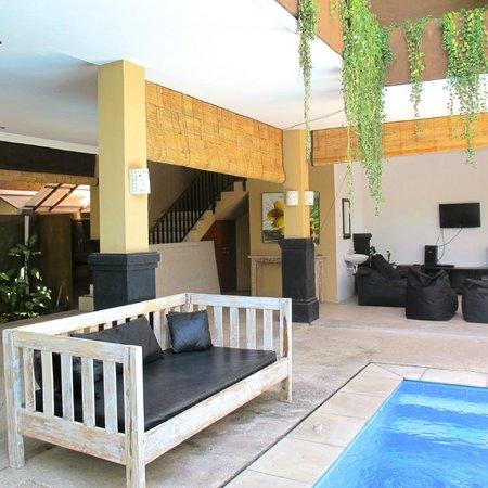 Canggu Surf Hostel: Outdoor Area