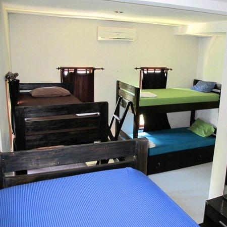 Canggu Surf Hostel: 6 Bed Dorm