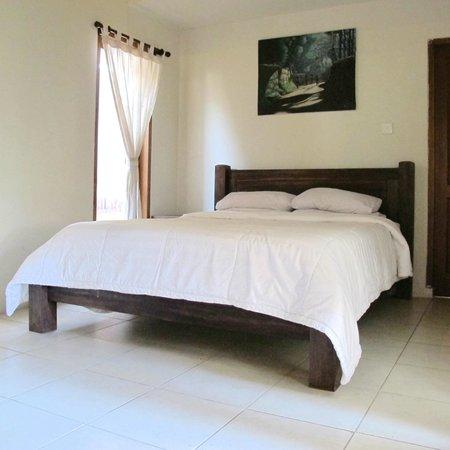Canggu Surf Hostel: Privare Ensuite