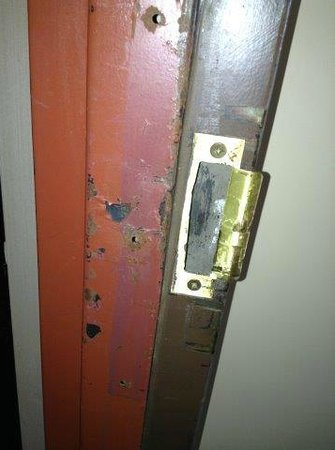 Ramada Watertown : Forcible entry damage room 231