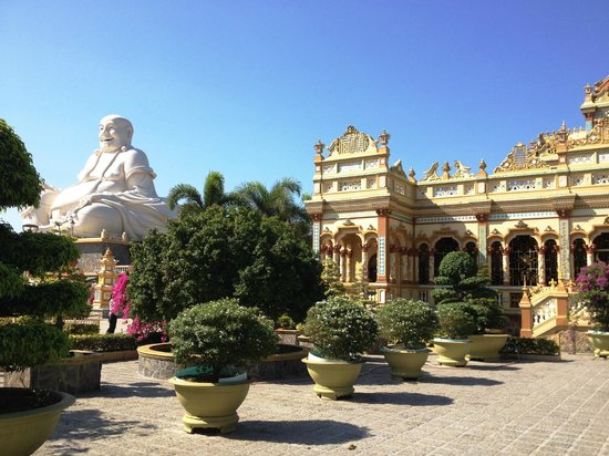 Vinaday Travel : Biggest Buddha in the Mekong